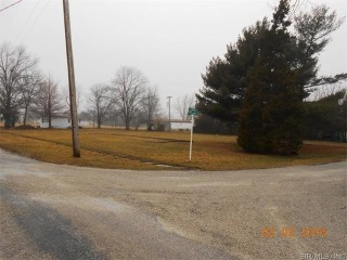 West LINCOLN Avenue, NOKOMIS, IL 62075 - Image